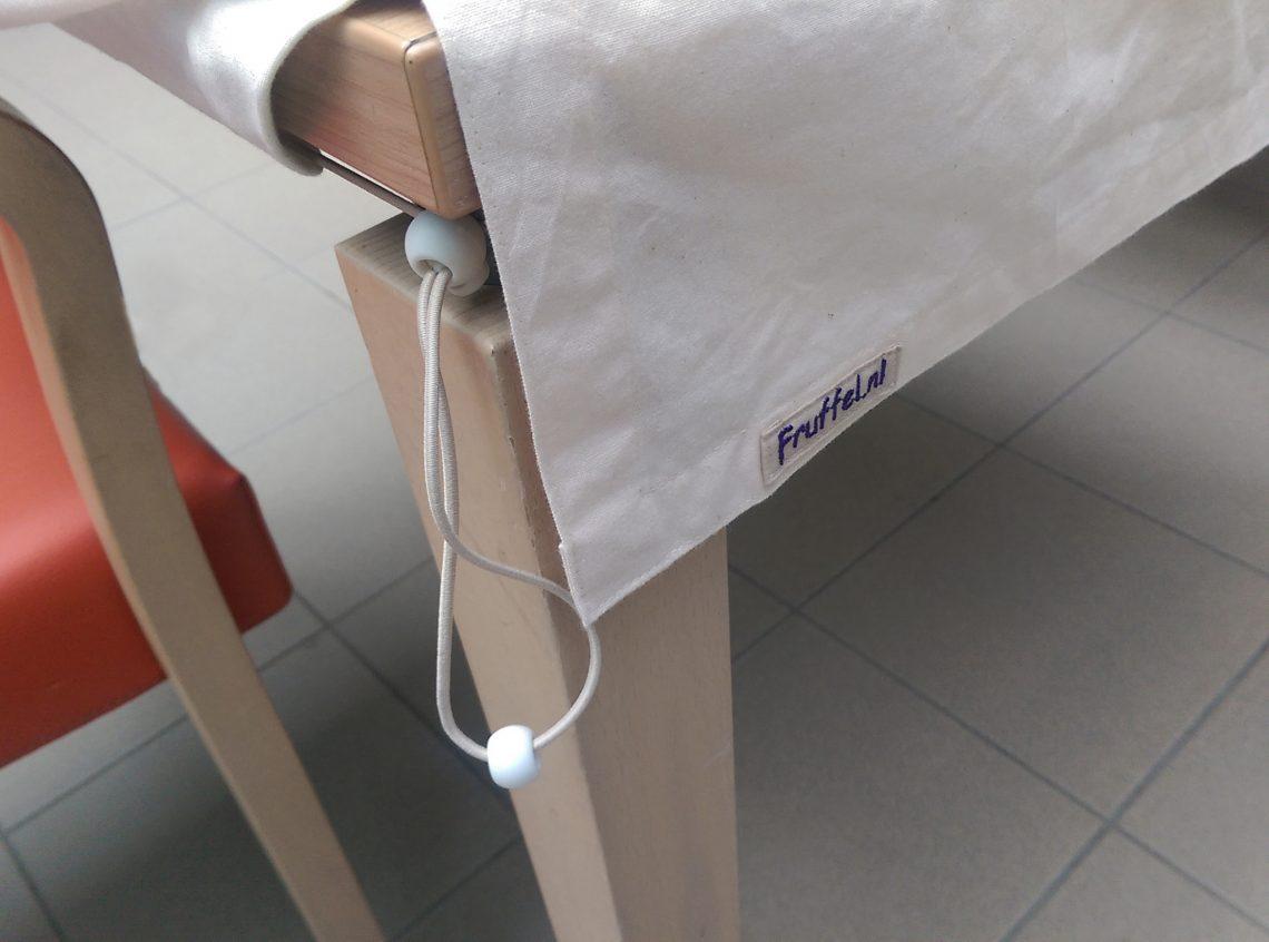 Fruffel tafelkleed - hoek