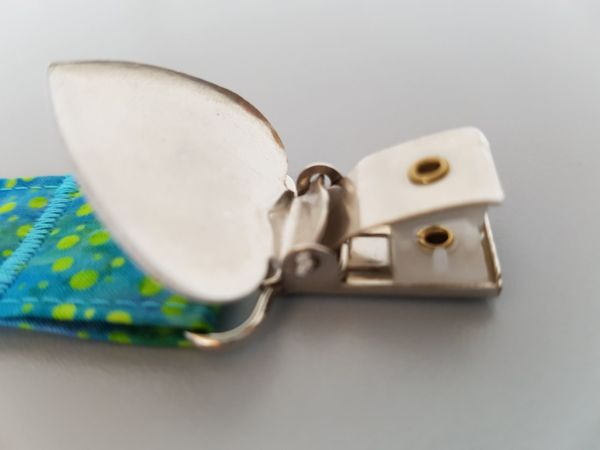 Fruffel servethouder Joep detail met geopende sluiting