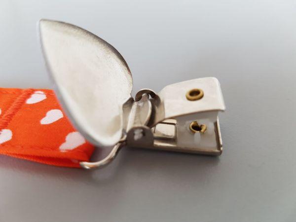 Fruffel servethouder Marleen detailfoto van de open sluiting