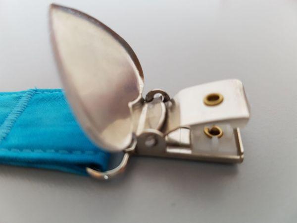 Fruffel servethouder Sjaak detailfoto van de open sluiting