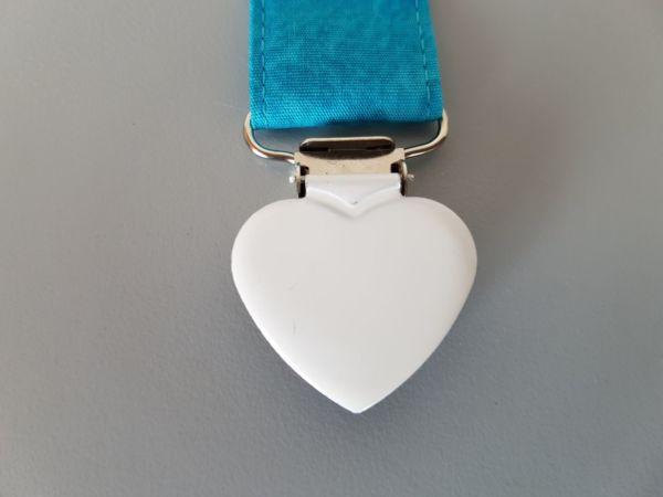 Fruffel servethouder Sjaak detail van de sluiting in de vorm van een hartje
